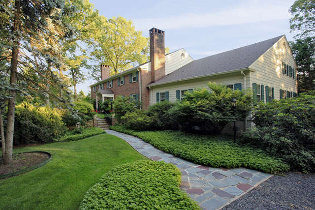 Single Family for Sale at 900 Fox Hill Lane Scotch Plains, New Jersey 07076 United States