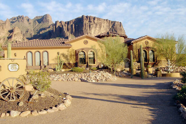 Single Family for Sale at 3719 N Canyon Crest Pl Apache Junction, Arizona 85119 United States