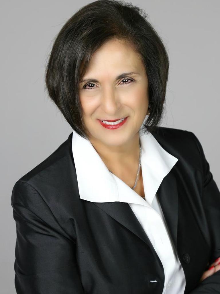 Leonor Carnoske
