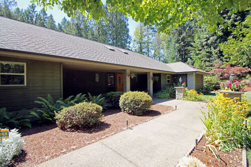 Single Family for Sale at 259 Waukeena Way Cottage Grove, Oregon 97424 United States