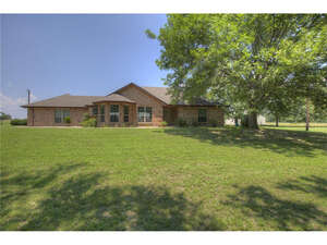 Featured Property in Quinlan, TX 75474