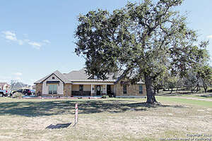 Real Estate for Sale, ListingId: 41577103, Floresville, TX  78114