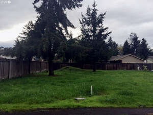Featured Property in Springfield, OR 97477