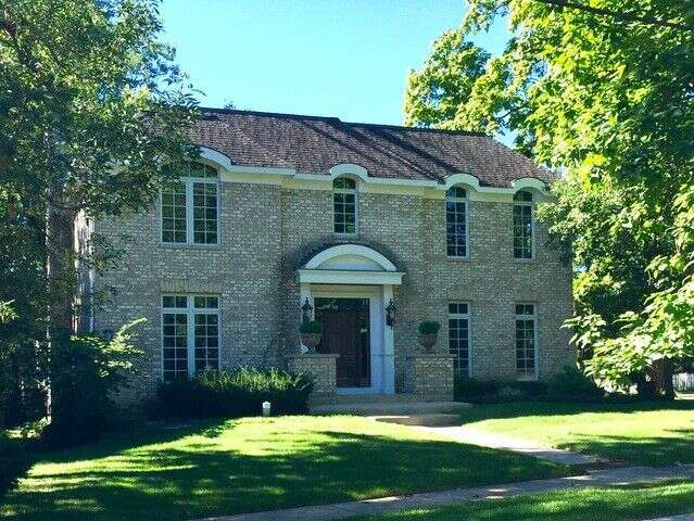 Single Family for Sale at 747 Hill Ave. Glen Ellyn, Illinois 60137 United States