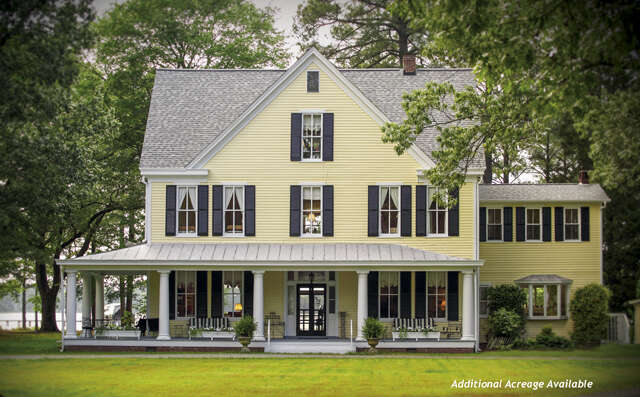 Single Family for Sale at 351 Town Point Landing Mathews, Virginia 23109 United States