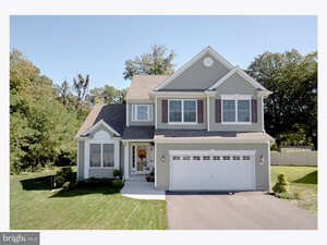 Featured Property in Maple Shade, NJ 08052
