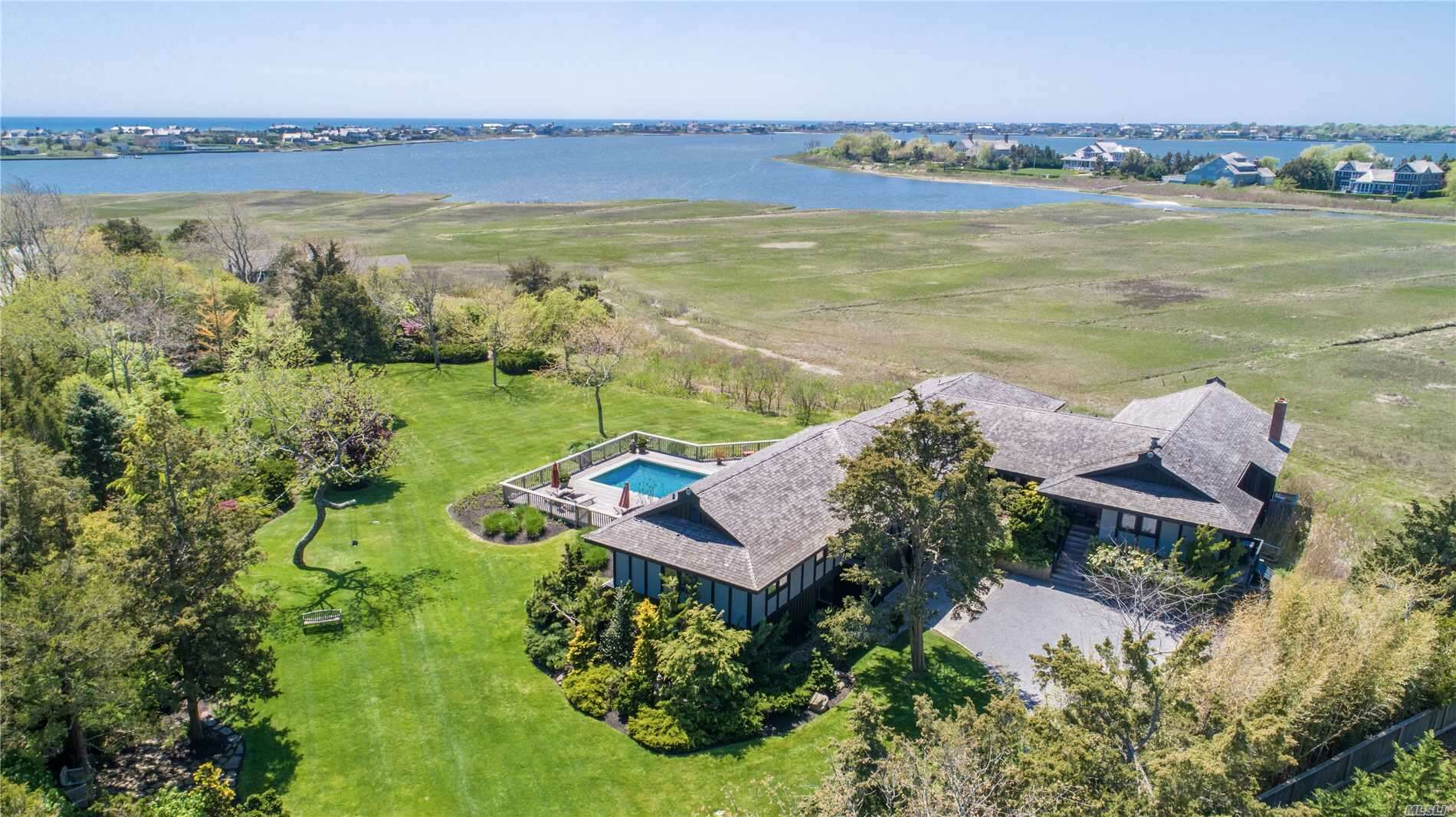 Single Family for Sale at 23 Quantuck Ln Quogue, New York 11959 United States