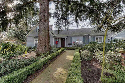 Single Family for Sale at 2741 Front (& 2739) St Salem, Oregon 97301 United States