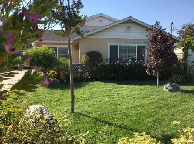 Single Family for Sale at 11045 Art St Sun Valley, California 91352 United States
