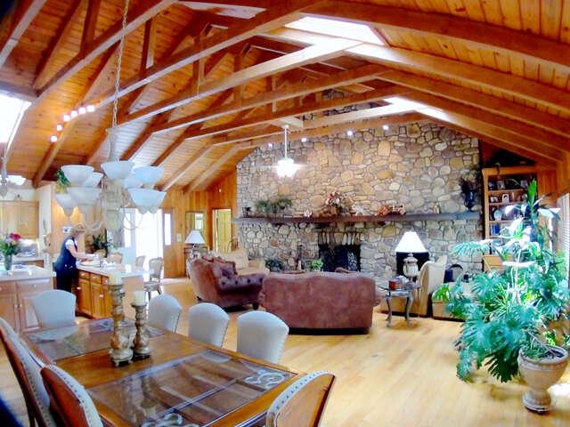 Single Family for Sale at 828 Hemlock Dr Newland, North Carolina 28657 United States