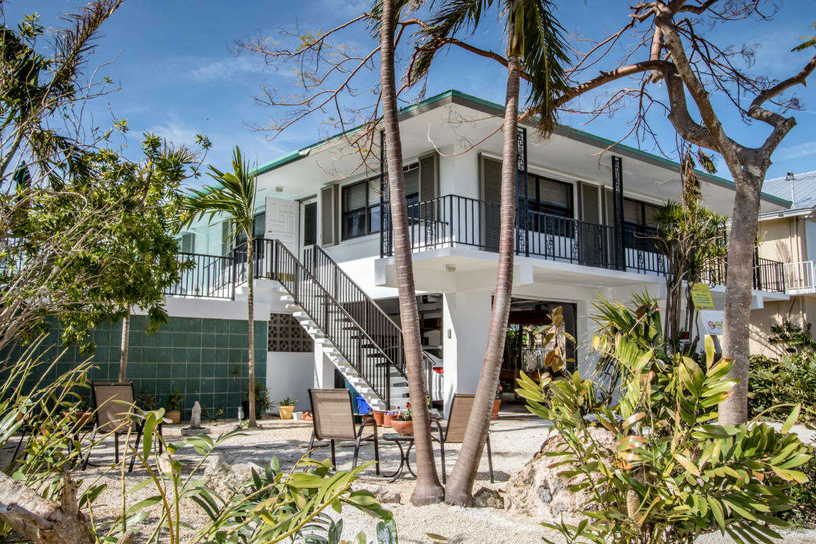 Single Family for Sale at 360 E Seaview Dr Duck Key, Florida 33050 United States