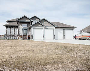 Featured Property in Grande Prairie, AB T8X 0G4