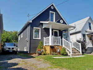 Featured Property in Hamilton, ON L8H 4W4