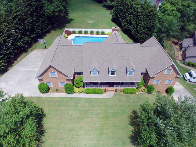 Single Family for Sale at 1105 Turnberry Lane Maryville, Tennessee 37803 United States