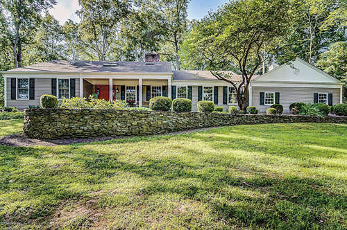 Single Family for Sale at 25 Westminster Drive Colts Neck, New Jersey 07722 United States