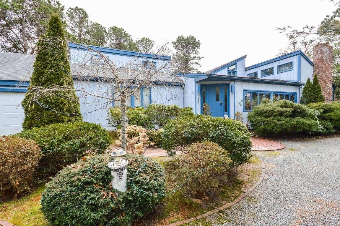 Single Family for Sale at 750 Santuit Road Cotuit, Massachusetts 02635 United States