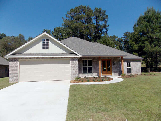 Featured Property in HATTIESBURG, MS, 39402
