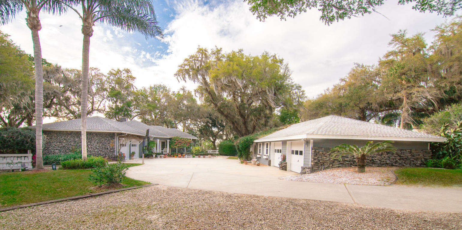 Single Family for Sale at 15050 SE 140 Avenue Road Weirsdale, Florida 32195 United States