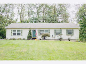 Featured Property in West Rockhill, PA 15219