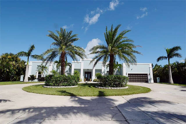Single Family for Sale at 8 N Sewalls Point Road Stuart, Florida 34996 United States