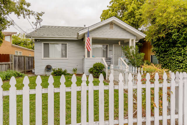 Single Family for Sale at 200-202 Redwood Ave Redwood City, California 94061 United States