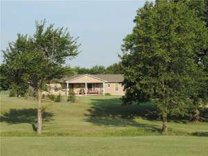 Featured Property in Stratford, OK 74872