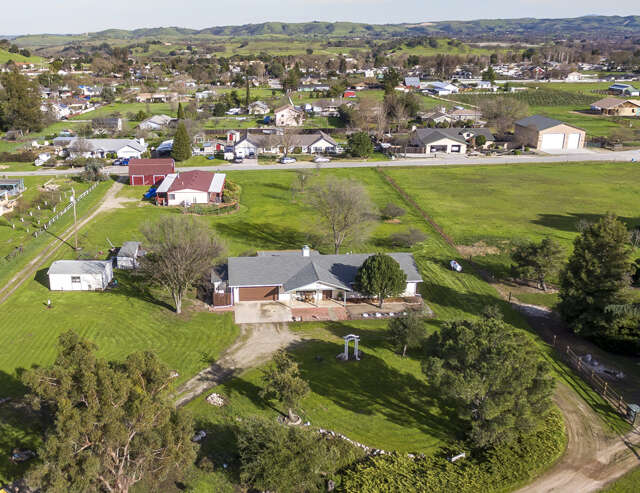 Single Family for Sale at 1373 Vineyard Drive Templeton, California 93465 United States