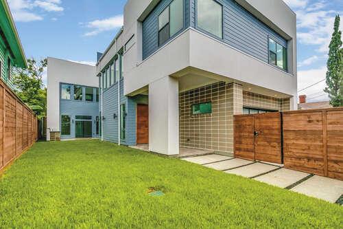 Single Family for Sale at 1109 Bomar Houston, Texas 77006 United States