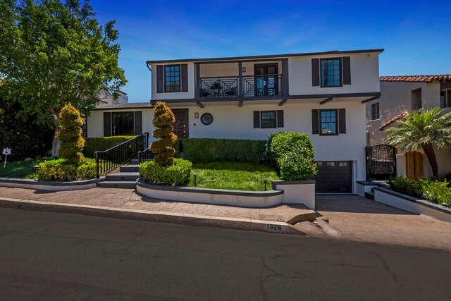 Single Family for Sale at 1326 Rossmoyne Avenue Glendale, California 91207 United States