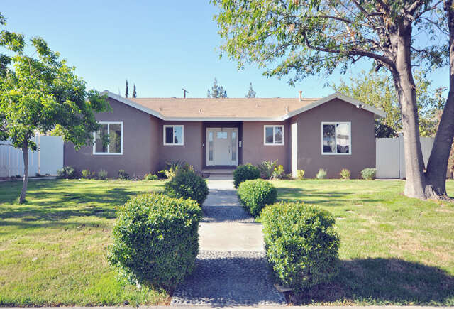 Single Family for Sale at 15949 Chatsworth St Granada Hills, California 91344 United States
