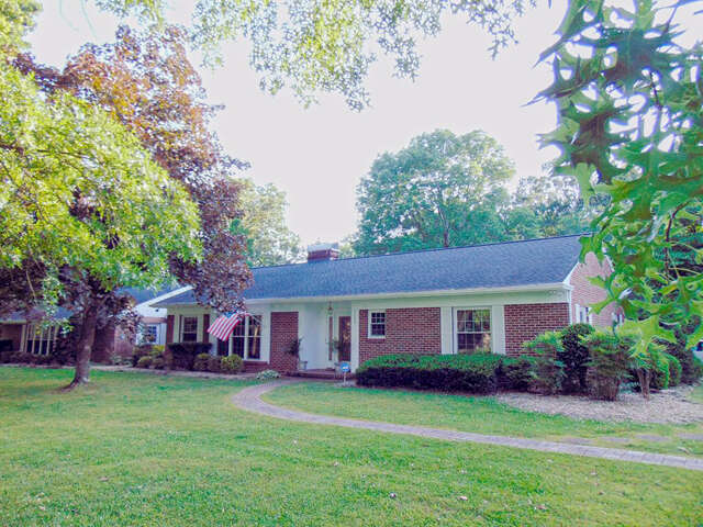 Single Family for Sale at 1120 Country Club Road Cookeville, Tennessee 38501 United States