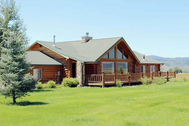 Featured Property in THAYNE, WY, 83127