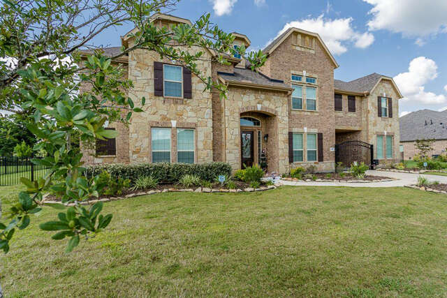 Single Family for Sale at 6010 Crystal Water Drive Richmond, Texas 77406 United States