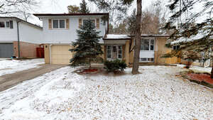 Featured Property in Aurora, ON L4G 3A6
