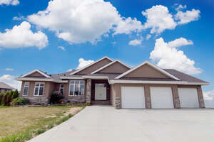 Featured Property in Parkland County, AB T7Y 1A1