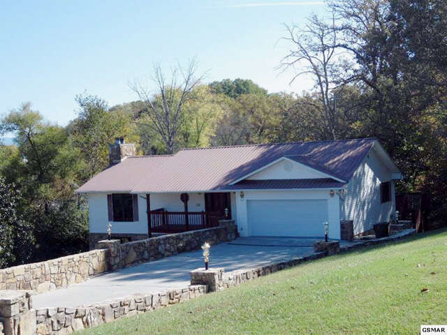 Home for sale 102 cedar ter sevierville tn homes land for 37862 vessing terrace