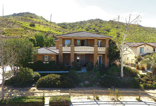 Single Family for Sale at 330 Cavaletti Ln Norco, California 92860 United States