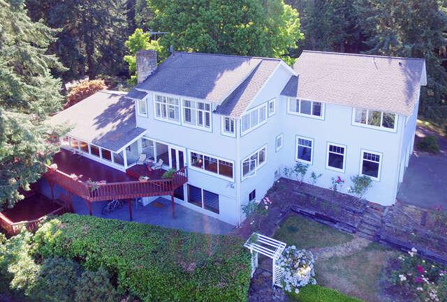 Single Family for Sale at 8440 NE Gordon Dr Bainbridge Island, Washington 98110 United States
