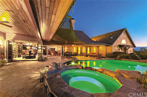 Single Family for Sale at 40125 Camino Del Vino Temecula, California 92592 United States