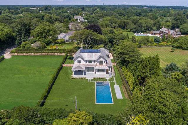 Single Family for Sale at 121 Hand Lane Amagansett, New York 11930 United States