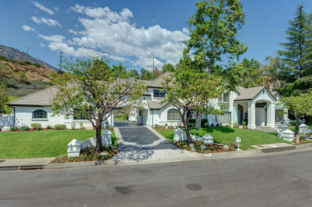 Single Family for Sale at 823 Greenridge La Canada Flintridge, California 91011 United States