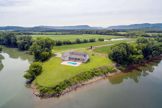 Single Family for Sale at 931 Canyon Rd Jasper, Tennessee 37347 United States