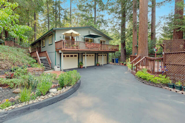 Single Family for Sale at 115 Redwood Pl Scotts Valley, California 95066 United States