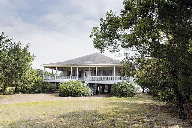 Single Family for Sale at 305 Mother Vineyard Road Manteo, North Carolina 27954 United States