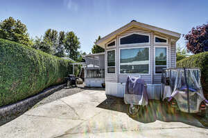 Featured Property in Kelowna, BC V4V 2M4