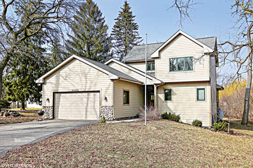 Home Listing at 20W070 Timber Trails Road, DOWNERS GROVE, IL