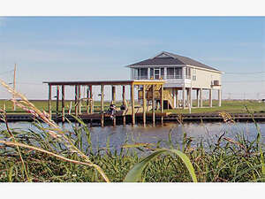 Featured Property in Myrtle Grove, LA 70083