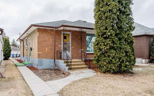 Featured Property in Winnipeg, MB R2X 1K1