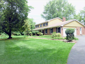Featured Property in Lake Barrington, IL 60010