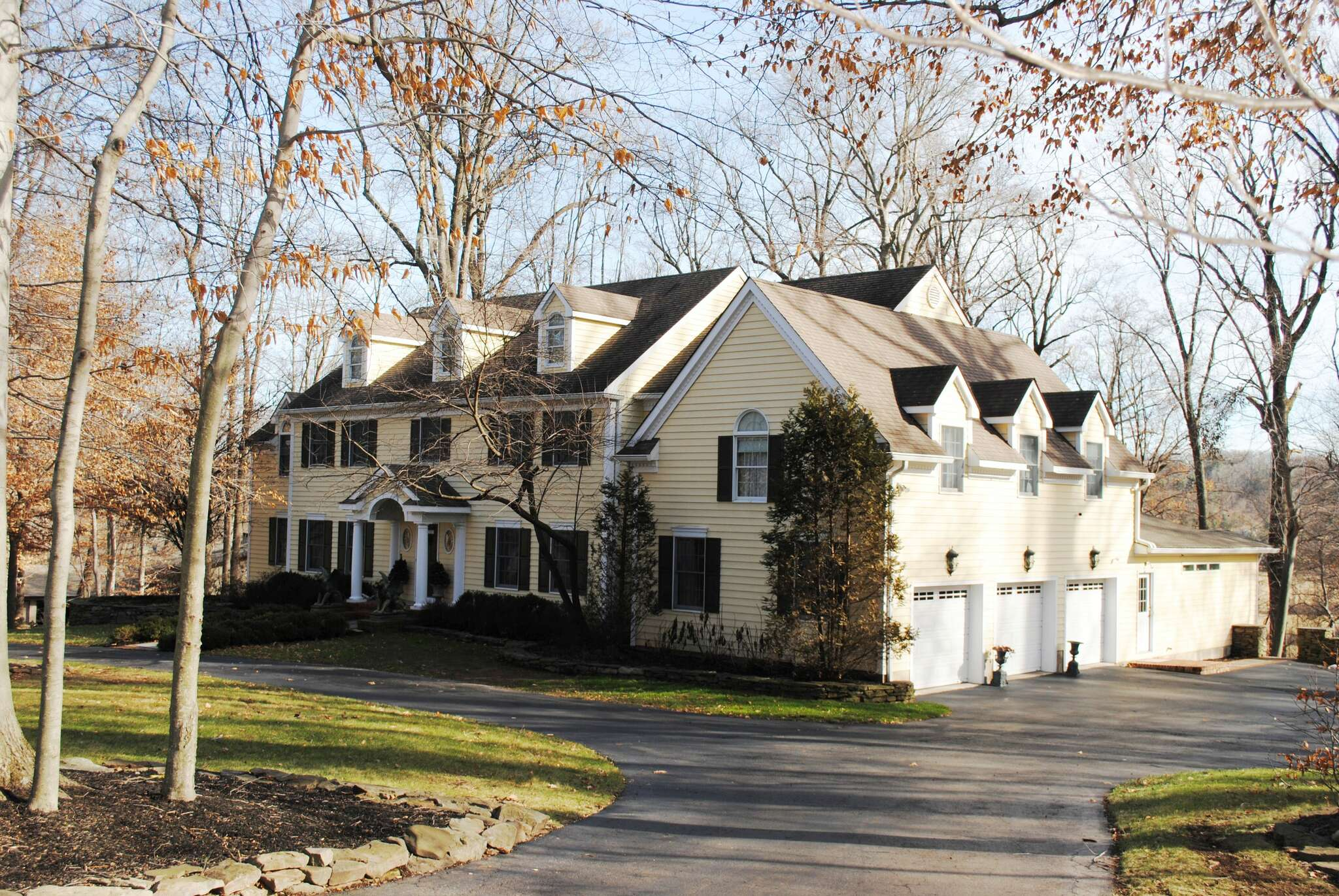 Single Family for Sale at 17 Harbourton Ridge Drive Pennington, New Jersey 08534 United States